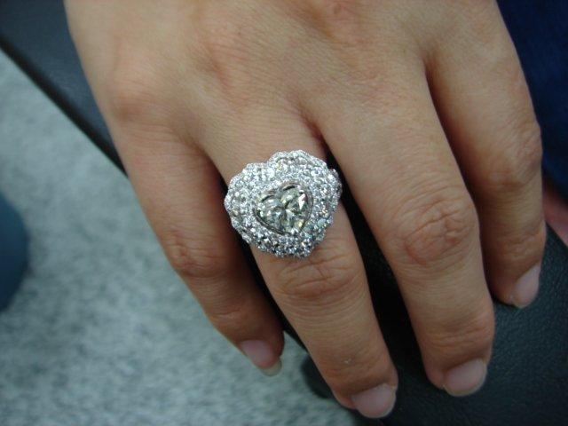 台中當舖流當品拍賣 流當鑽石拍賣 超豪華 愛心1克拉 G色 K金 鑽戒 喜歡價可議 ZS102